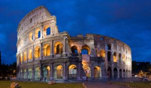 L'Anfiteatro Flavio privo dei settori nord-est e sud-est a causa dei terremoti / Wikipedia commons